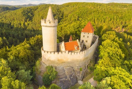 Visit of Kokorin castle and its surroundings